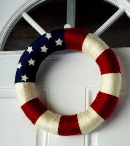 Super stinkin' cute wreath from Naptimecrafts.com and it looks easy to boot!